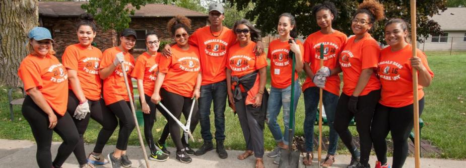 Thank You to the 800 Bengals Dare to Care Day Volunteers!